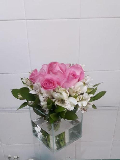 Rosas e Alstroemérias no vidro
