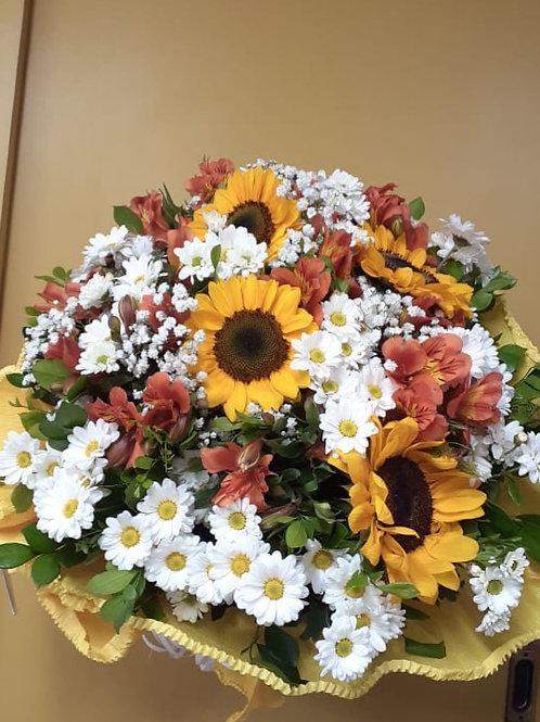 Buquê de Flores do Campo, Alstroemérias e Girassóis