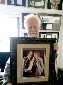 Jim receives picture from Rod