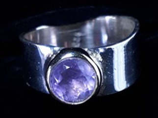 Sterling Silver with Gold Plated Detail Round Amethyst Ring (Size 9)