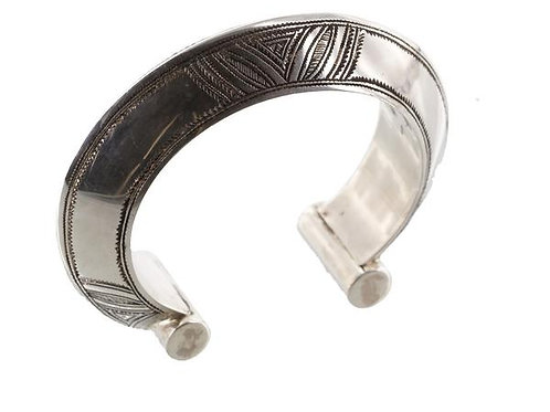 Fine Silver Tuareg Sharp Mount Shaker Bangle