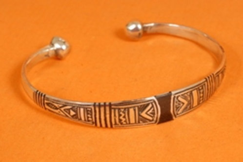 "Sterling Silver ""Afalkay"" Detailed Etched Bangle"