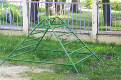 piramida-laz