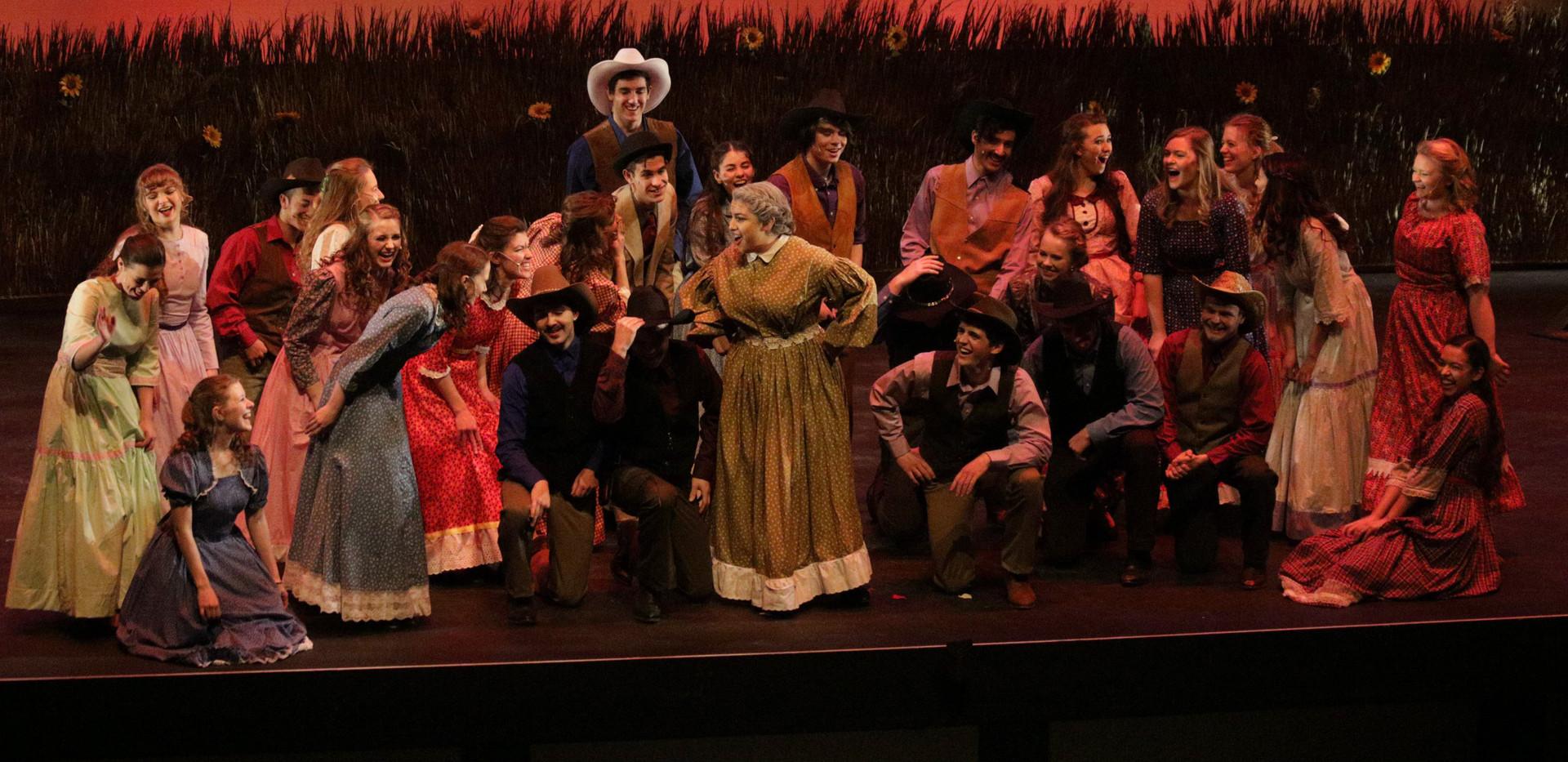 Oklahoma - Aunt Eller and Ensemble