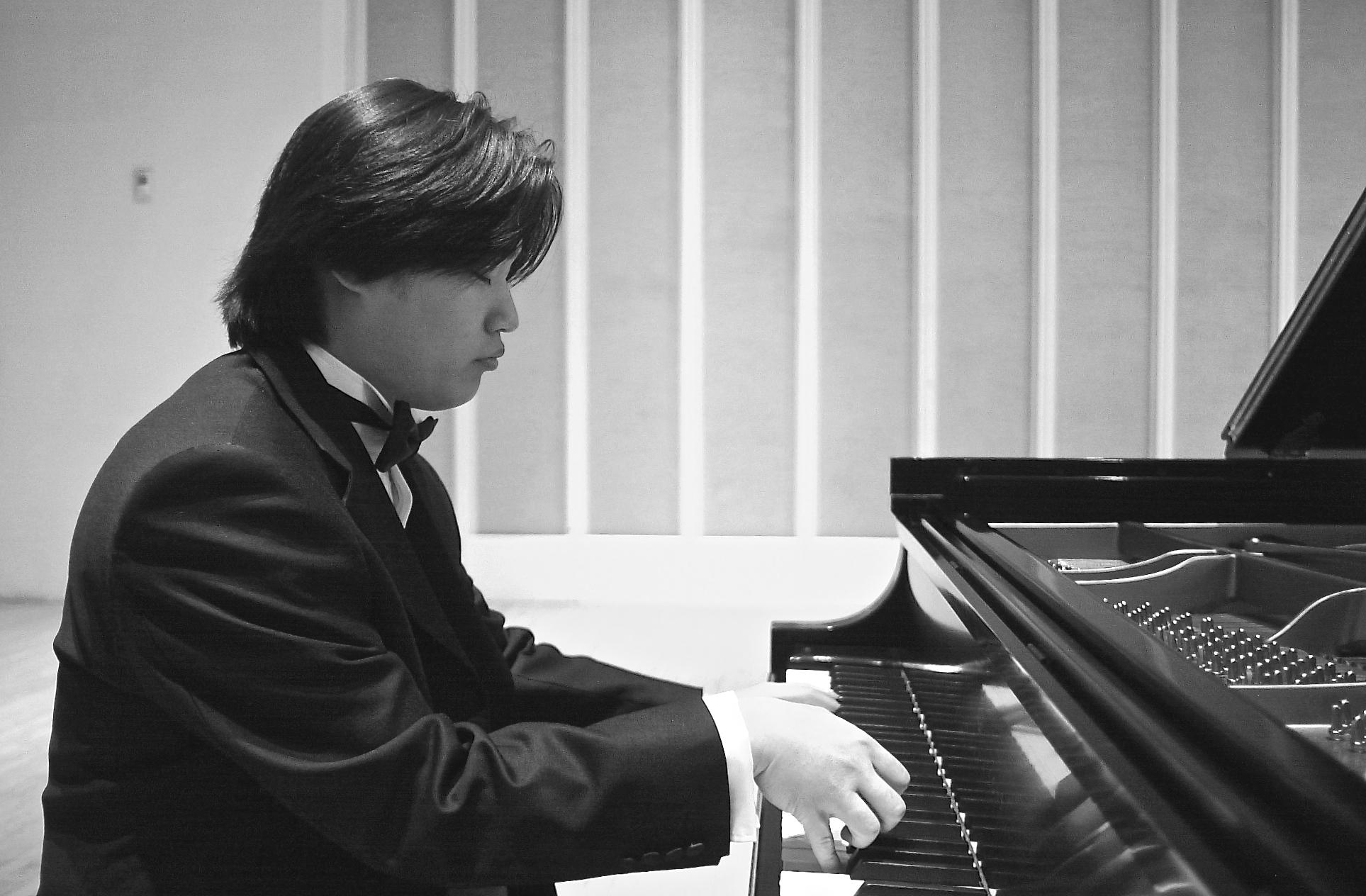 Hanjin Sa Solo Piano Performance