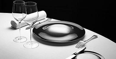 club de direction, salle à manger de direction, mise en place, assiette, couverts, cuisine gastronomique, cuisine contemporaine, déjeuner professionnel, repas d'affaires