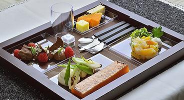 plateau repas, lunch box, restauration gastronomique, déjeuner professionnel, déjeuner d'affaires