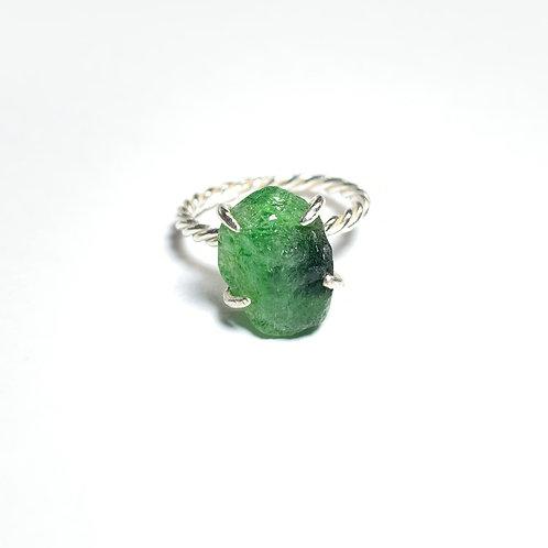 Green garnet ring R012