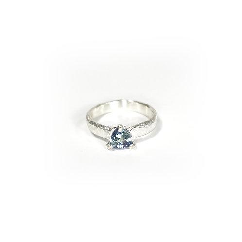 Tanzanite ring  -Pale tone- R145