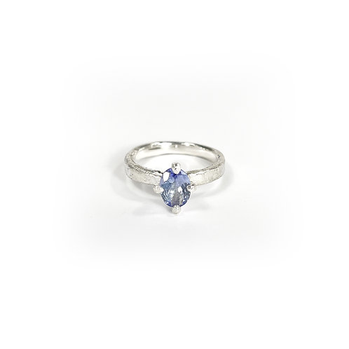 Tanzanite ring  -Pale tone- R144