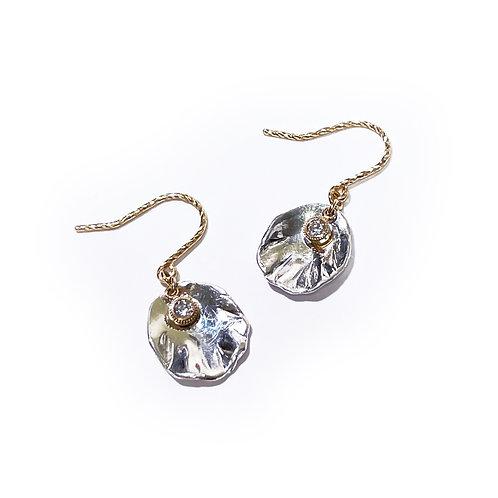 K18 Petal earrings - diamond drop -