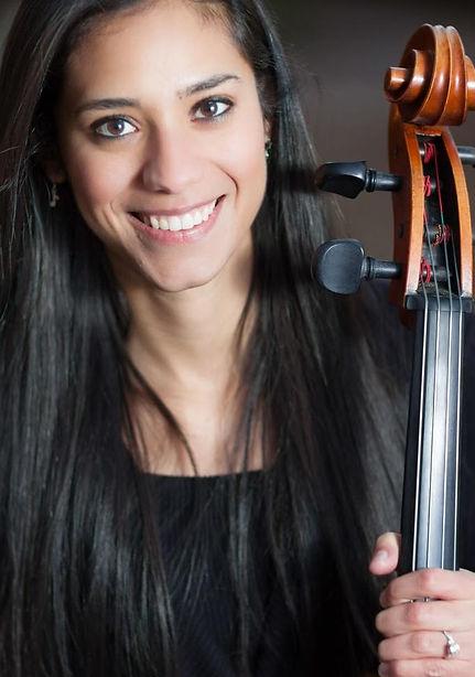 Alina Vazquez headshot.jpg