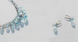 Collier et Boucles d'oreilles argent et perles de verre bleutées transparentes