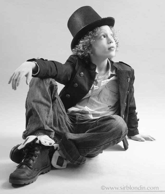 Sirblondin_Sebastien Tonin_Noa chapeau.j