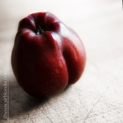 pomme sexy.jpg