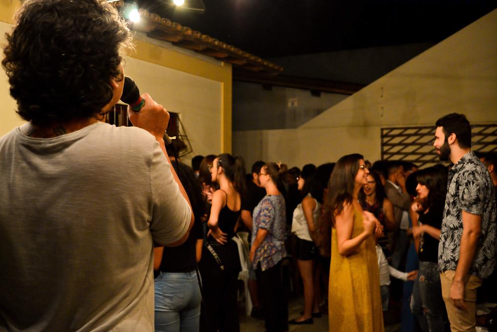 Jogos do Teatro do Oprimido, dirigido por Adriana Amorim com participação do público. Foto: Tamires Pereira