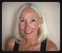 Debbie HeadshotFacetune_22-07-2019-09-17