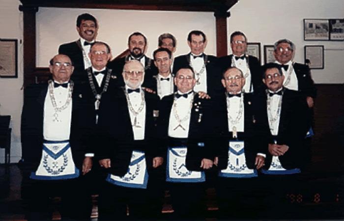 Fundadores - 1999
