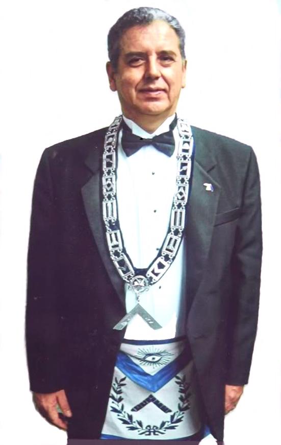 V.·.M.·. Carlos Sarmiento - 2004