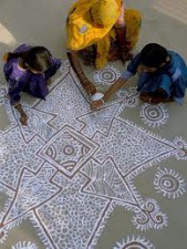 An Artist Practices An Ancient Indian Folk Tradition