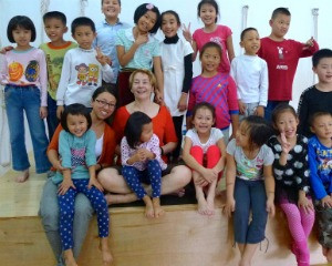 Bobby and her kids in China.jpg