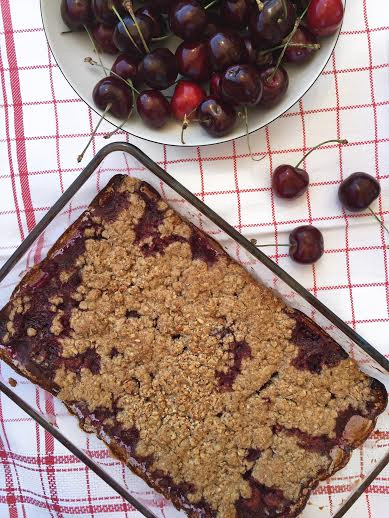 Summer Cherry Crumble