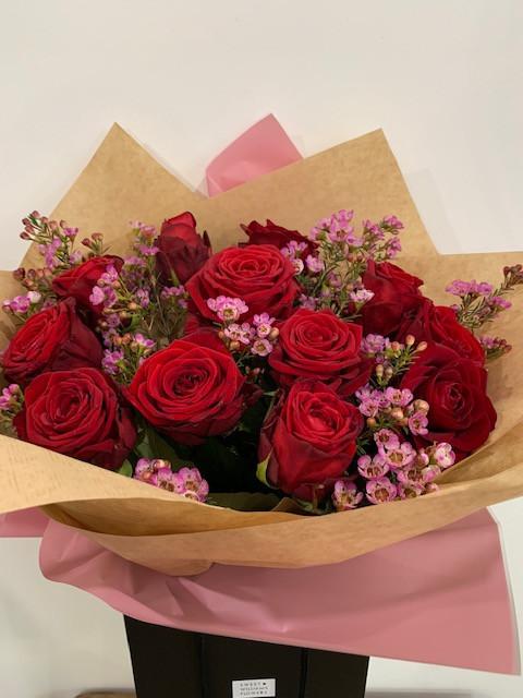 Classic V Bouquet