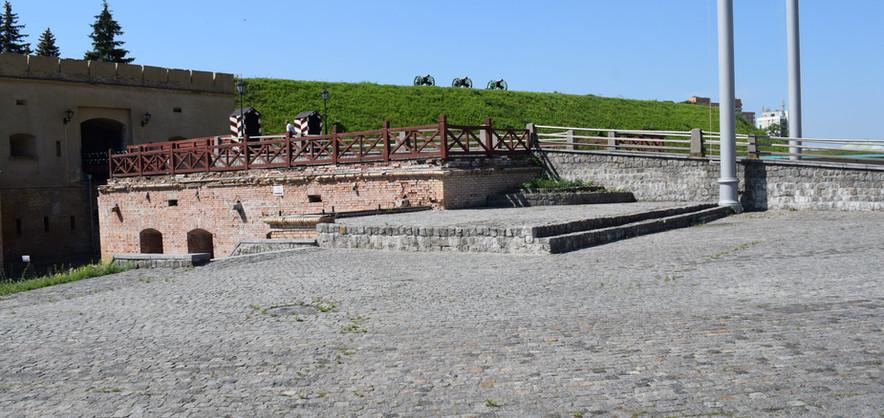 Міст до Військового Госпіталю