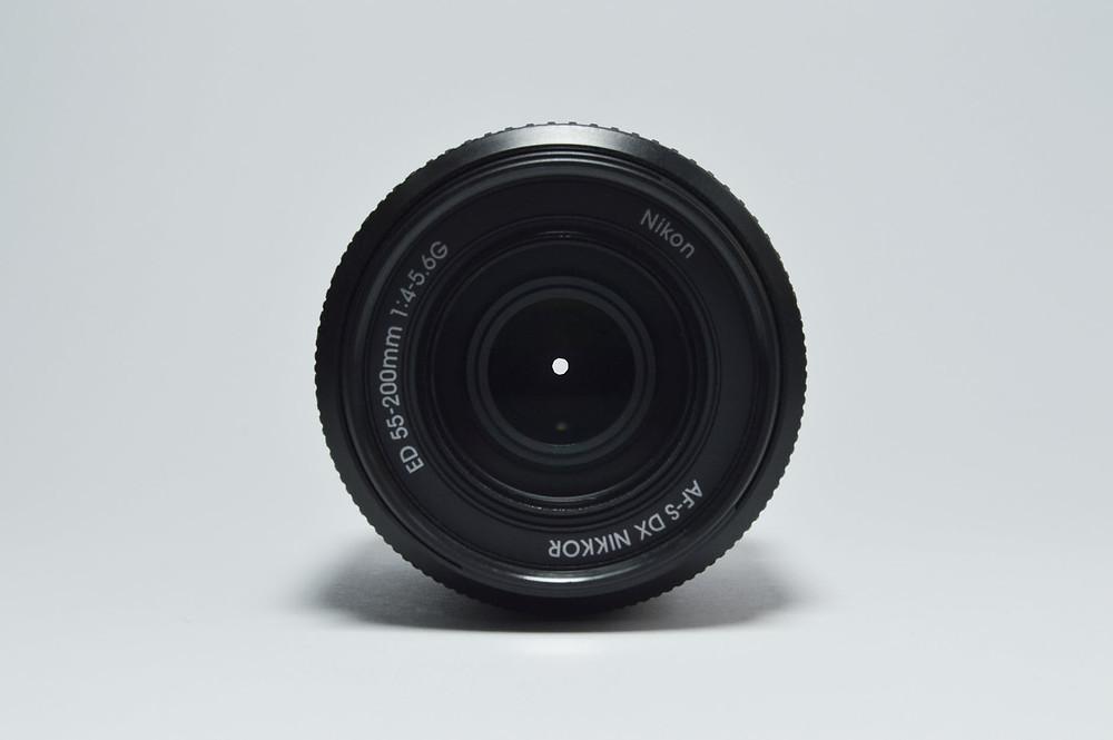 Esempio di numeri sull'obiettivo (Nikon)