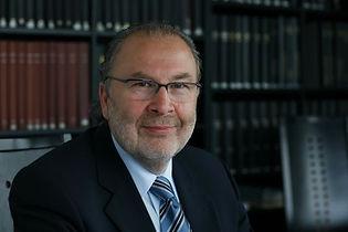 em RA Dr. Josef Weixelbaum