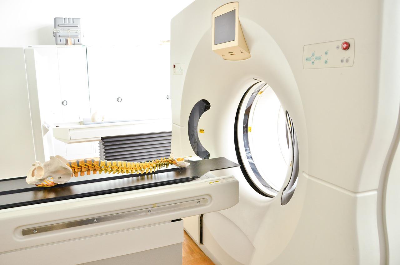 UPS o no breaks para equipos de tomografía