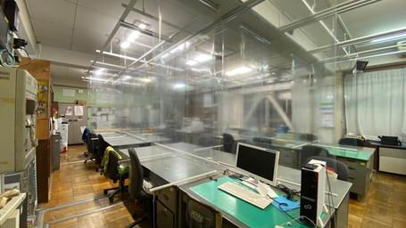 小学校職員室へ次世代型光触媒コロッシュコート施工実施