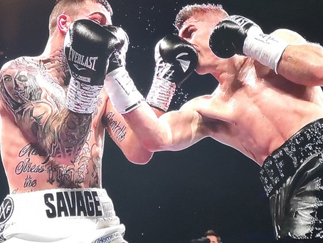 """Smith Stops """"The Savage"""", Kash Ali Disqualified For Biting"""