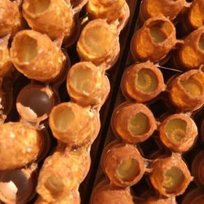 Bzzzzzbzzzzbzzzz les abeilleuhs ... (chanson de Bourvil) et le bon miel du jas des abeilles!