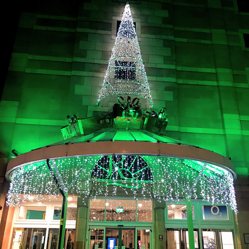 A festive welcome always adds impact for any shopping centre