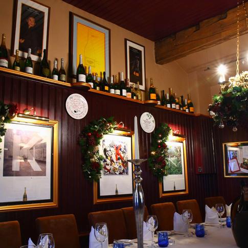 Beautiful high end restaurant Christmas decorations