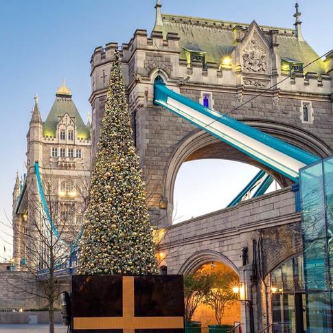 Lighting up the London Christmas Skyline