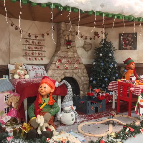 Animated children waiting for Santa