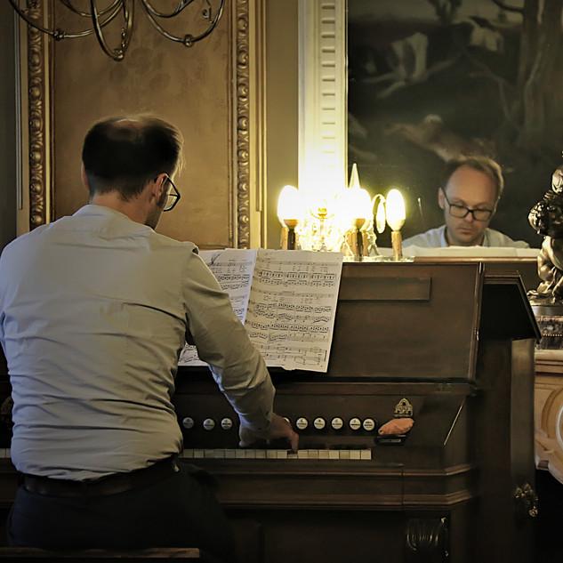 bart harmonium foto Christa Dyck.jpg