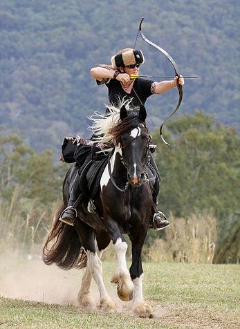 horse archey, horse archer australi, katrina kruse, horse archer, mounted archer, horseback archery, medival archery, tradiional archery
