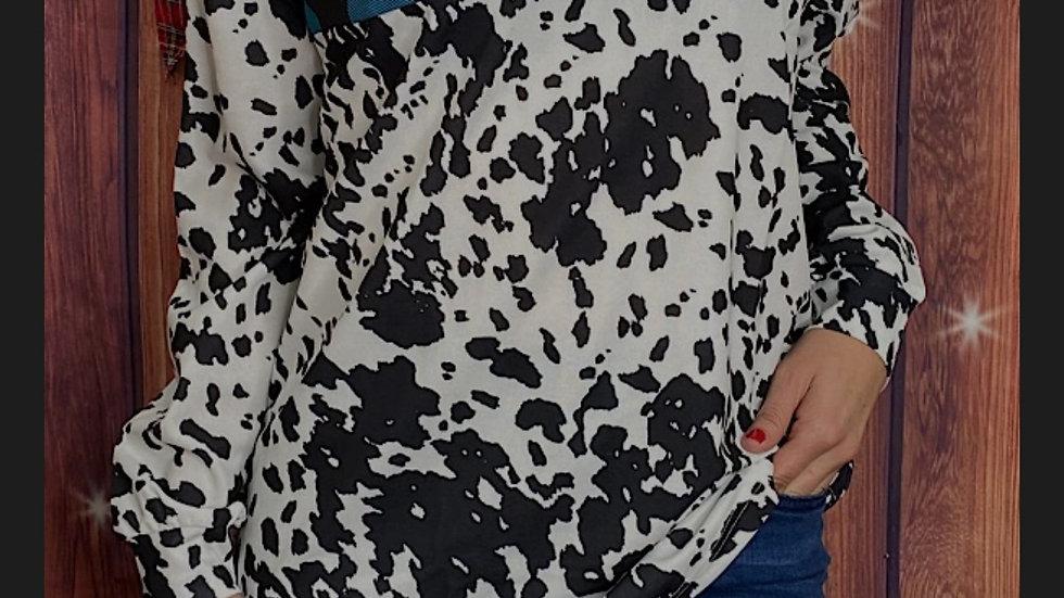 Blue Plaid/Cow Zipper Pullover