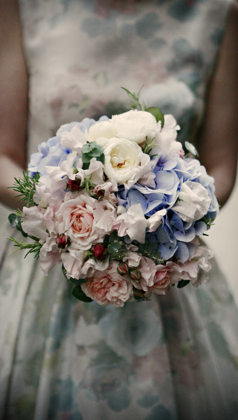 Hand Tied of Hydrangea, Roses and Sweet Peas