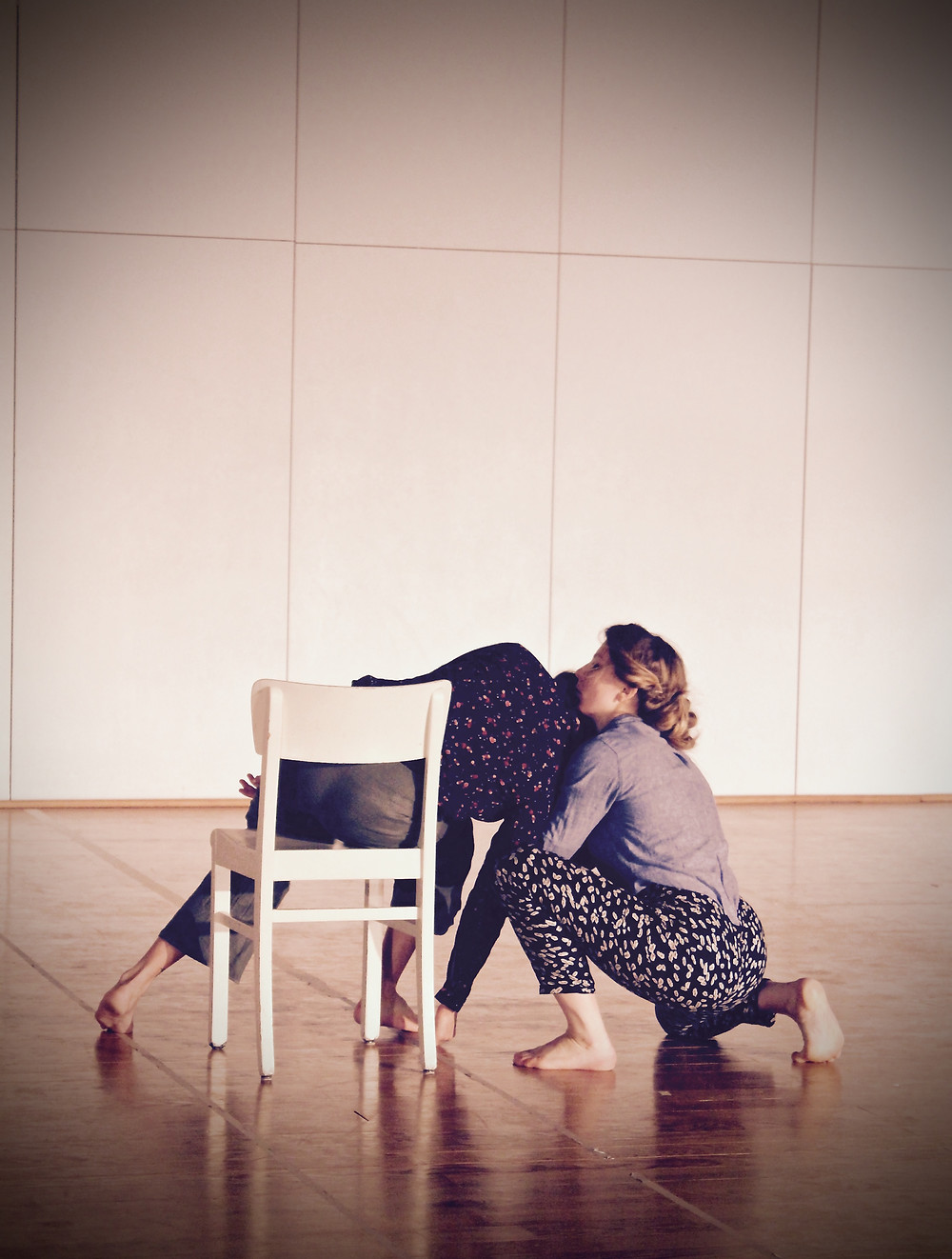 """""""Empty"""", a partnering duet by Sandy Sarantoula and Rebecca Narum. Photo taken by Martin Niess"""