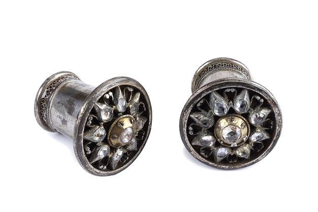 zilveren oorornamenten.jpg