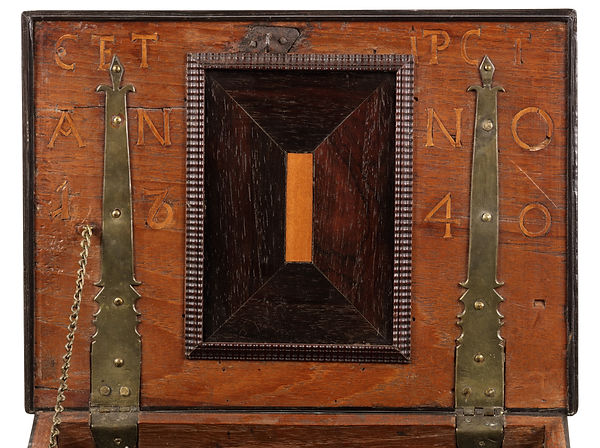 kistje anno 1740 deksel.jpg