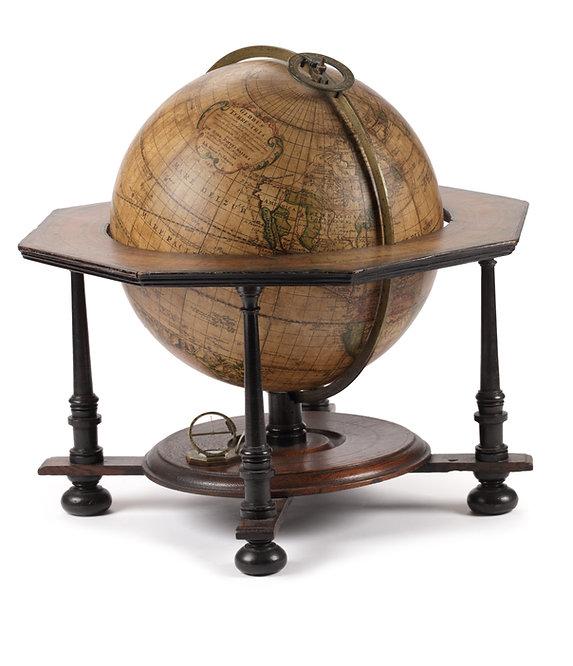 Globe Doppelmayer 01.jpg