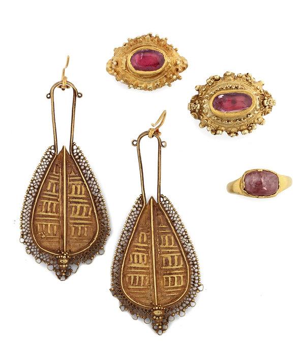 Indonesische juwelen.jpg