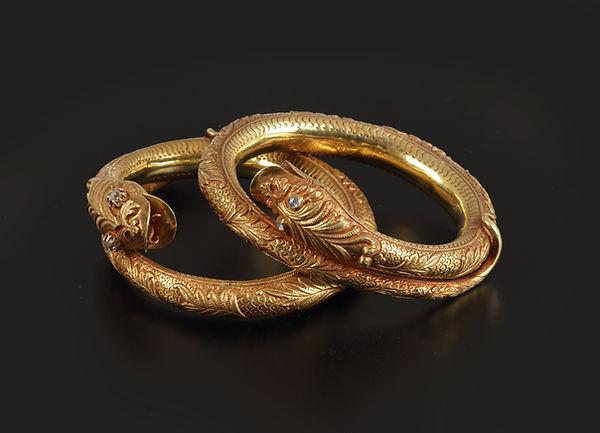 Gouden armbanden.jpg