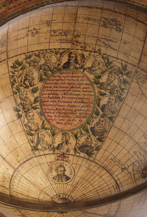 Globe Doppelmayer 03.jpg