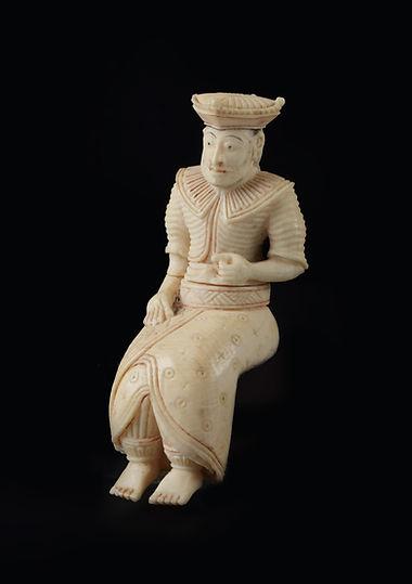 Ceylonese koning ivoor.jpg